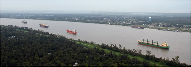 a description of the mississippi river Mississippi river one of the major rivers of north america, the mississippi  river has been a focal point in american history, commerce, agriculture, literature ,.